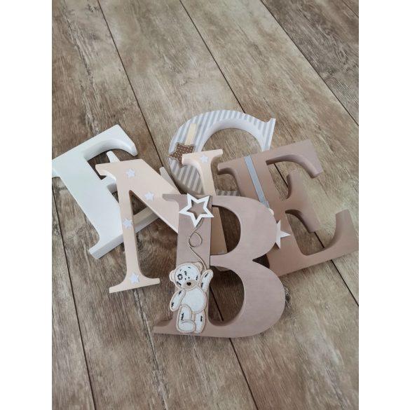 Barnás bézses stílusú dekor betűk bármilyen névvel